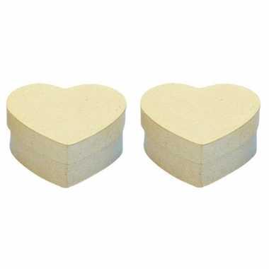 2x stuks papier mache doosjes in hartvorm 10 x 10 cm