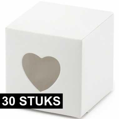30x bruiloft/huwelijk bedankjes doosjes wit/hart 5 cm