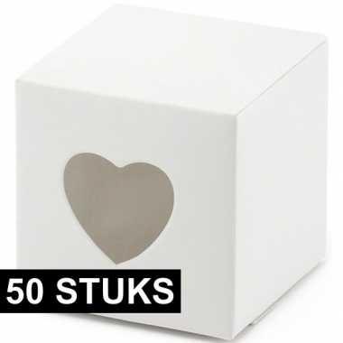 50x bruiloft/huwelijk bedankjes doosjes wit/hart 5 cm