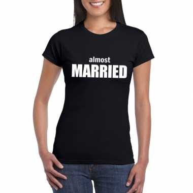 Almost married tekst t-shirt zwart dames