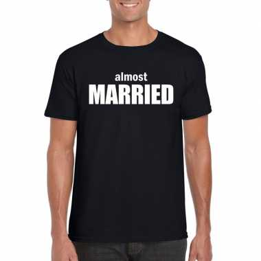 Almost married tekst t-shirt zwart heren
