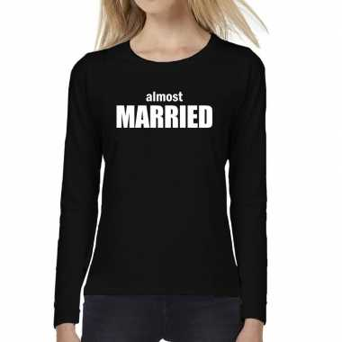 Almost married vrijgezellen feest tekst t-shirt long sleeve zwa