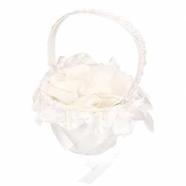 Bruidsmeisje strooimandje inclusief witte rozenblaadjes
