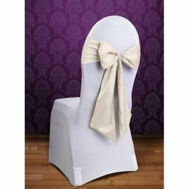 Bruiloft stoel decoratie creme strik