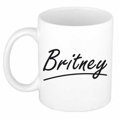 Naam cadeau mok / beker britney met sierlijke letters 300 ml