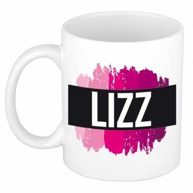 Naam cadeau mok / beker lizz met roze verfstrepen 300 ml