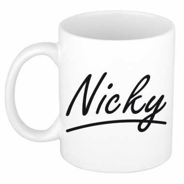 Naam cadeau mok / beker nicky met sierlijke letters 300 ml