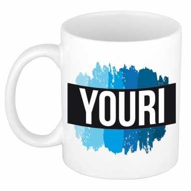 Naam cadeau mok / beker youri met blauwe verfstrepen 300 ml