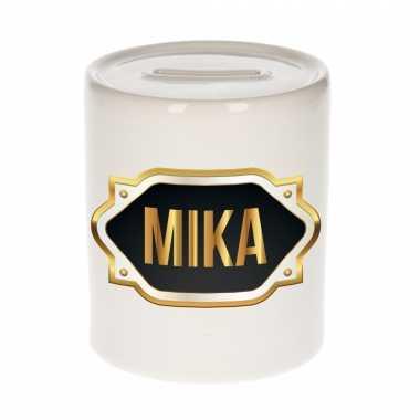 Naam cadeau spaarpot mika met gouden embleem
