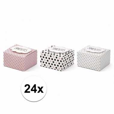 Snoep/ bonbon doosjes met stippen 24 stuks