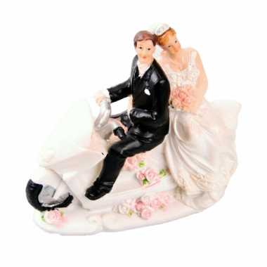 Trouwfiguurtje bruidspaar op motor b
