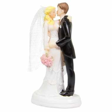 Trouwfiguurtjes bruidspaar kus taart decoratie 14cm