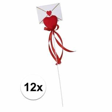 Valentijn - 12x hartje op stok met enveloppe kaartje voor valentijn