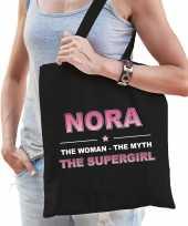 Naam cadeau tas nora the supergirl zwart voor dames