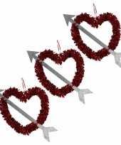 Voordeelset 10x rood valentijn bruiloft hangdecoratie hart met pijl 45 cm